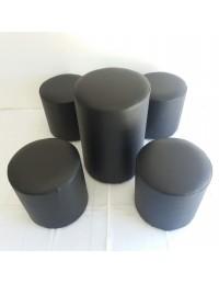 (R$45,00) Kit Puff Mesa Redondo + 4 puffs redondo preto